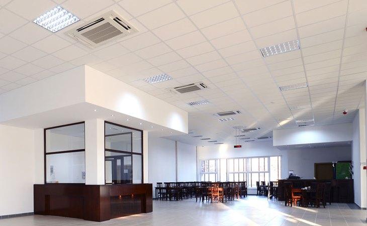 Faux plafond pour bureaux d\'entreprise - Prestapose